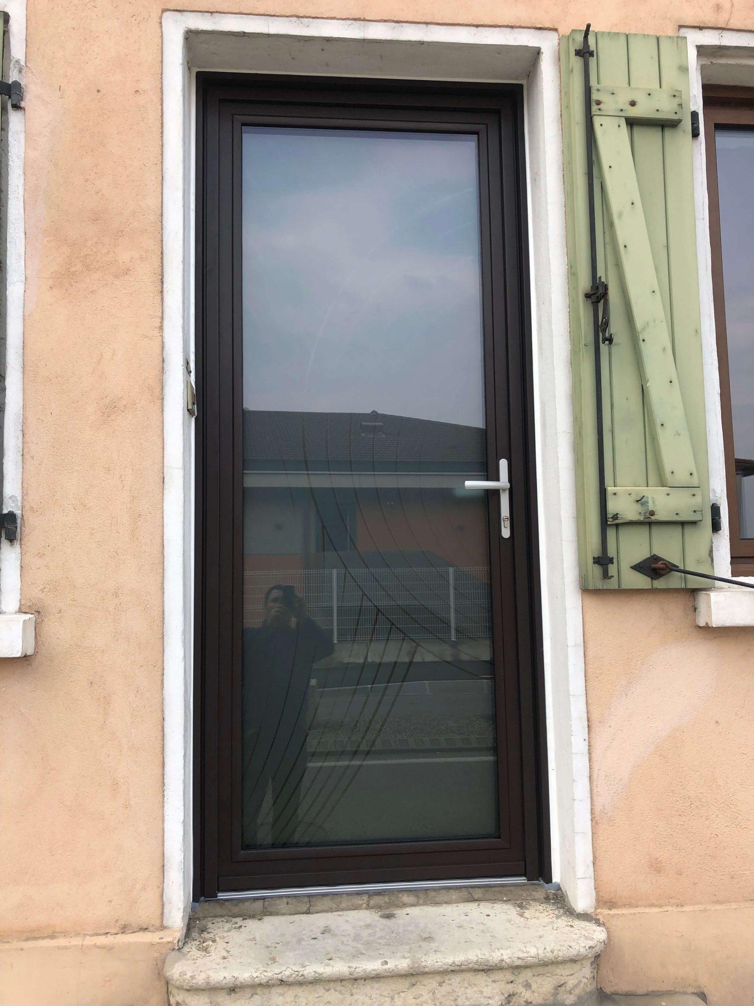 IMG 4697 - Installation d'une porte d'entrée par GCDH